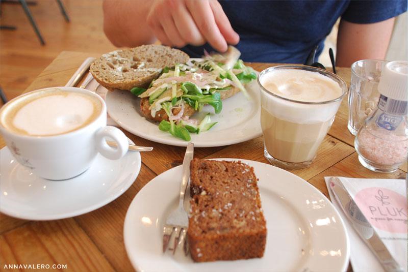 cafeteria bonita en amsterdam pluk